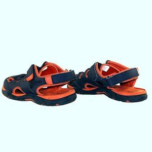 Champion youth velcro strap sandals like new 5.5